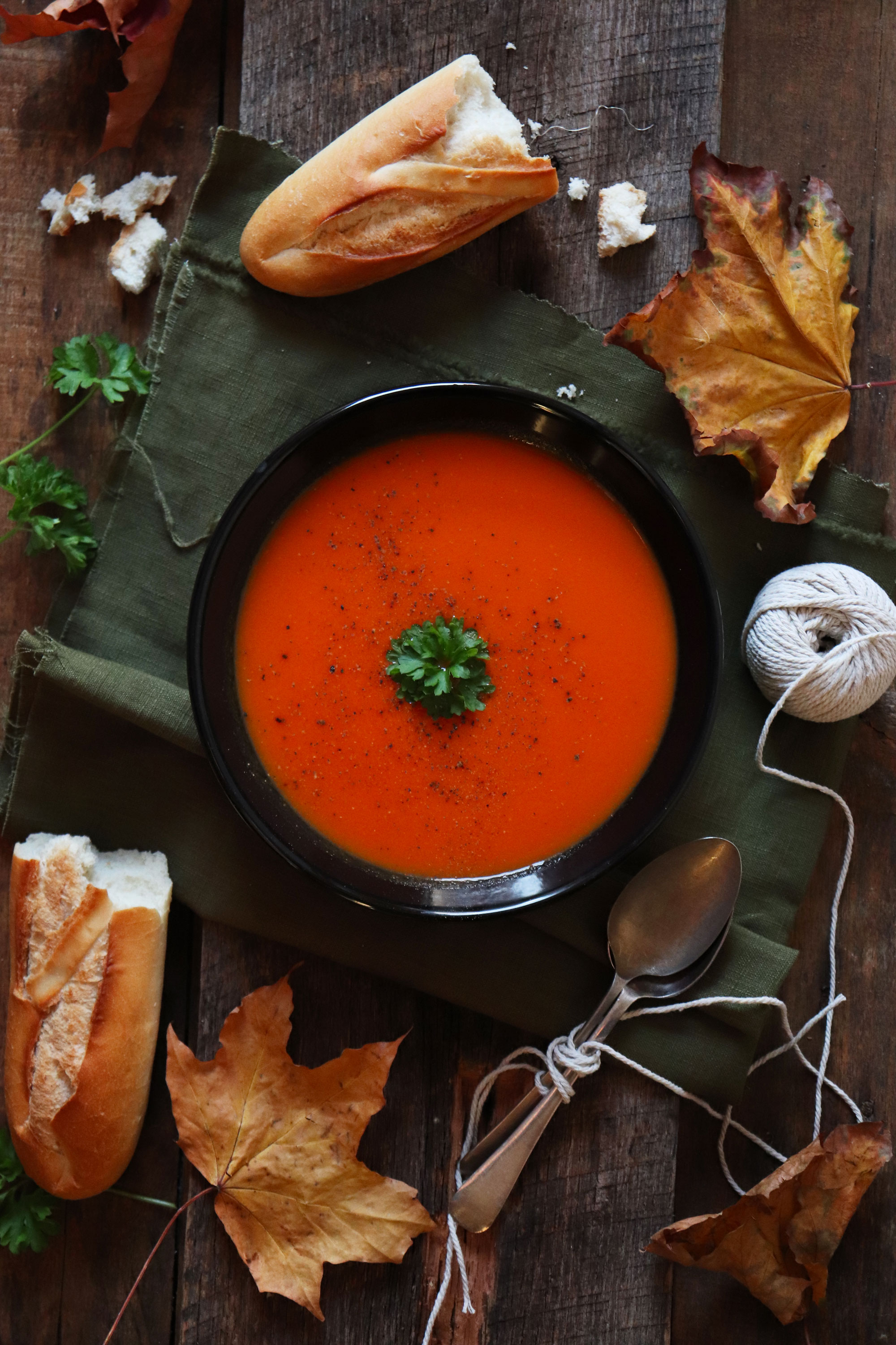 Roasted red peppers and vine tomatoes soup