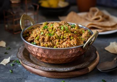 Keema Matar (Lamb mince with green peas curry)