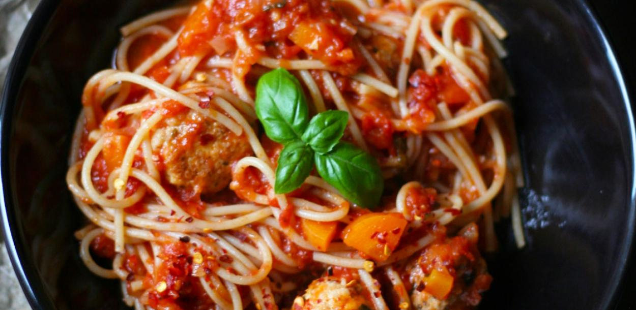 Italian wholewheat spaghetti turkey meatballs
